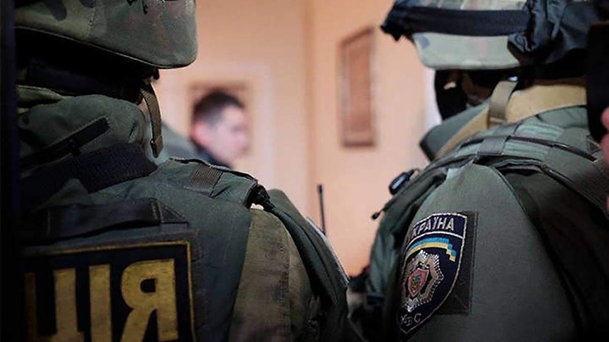 У жителя Харьковщины нашли большой арсенал: оружие была - фото