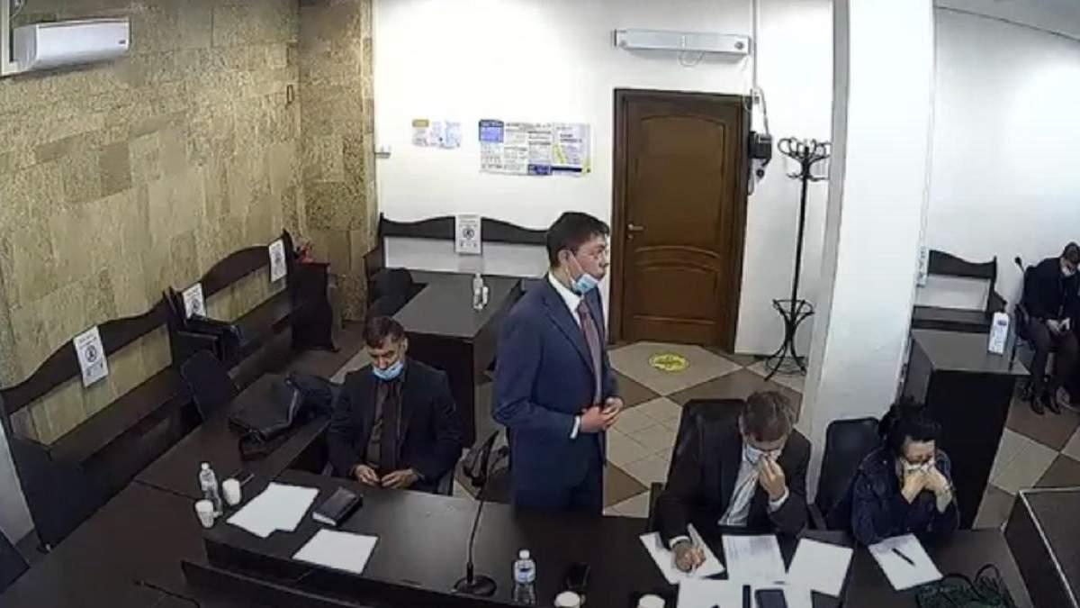 Екснардеп Крючков пришел на заседание суда пьяный: видео