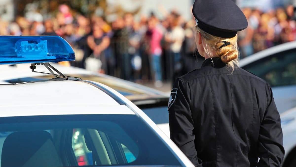 На Херсонщині поліцейську вигнали з роботи: причина