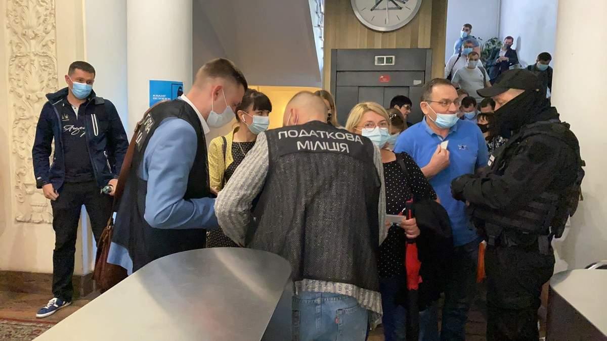 Последствия смены руководства, - Лещенко об обысках в Нафтогазе