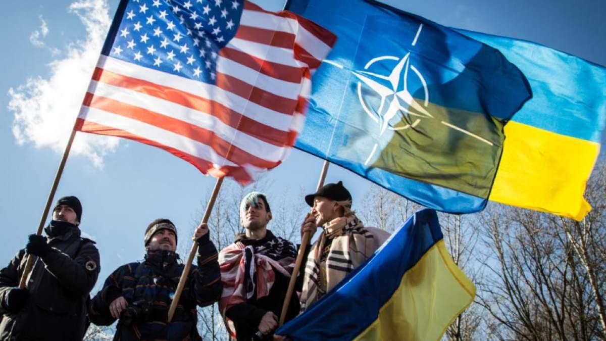 Статус союзника США поза НАТО: Зменшить ризики агресії Росії - Фесенко