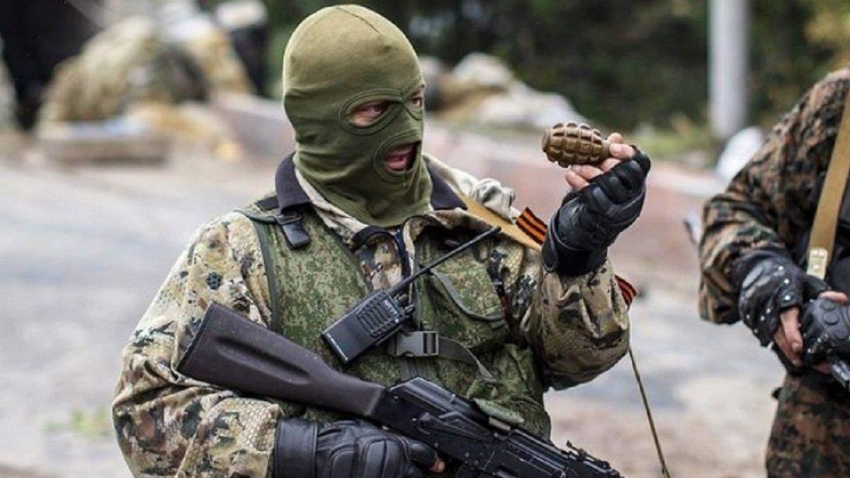 На Донбасі бойовик розстріляв співслужбовців і наклав на себе руки