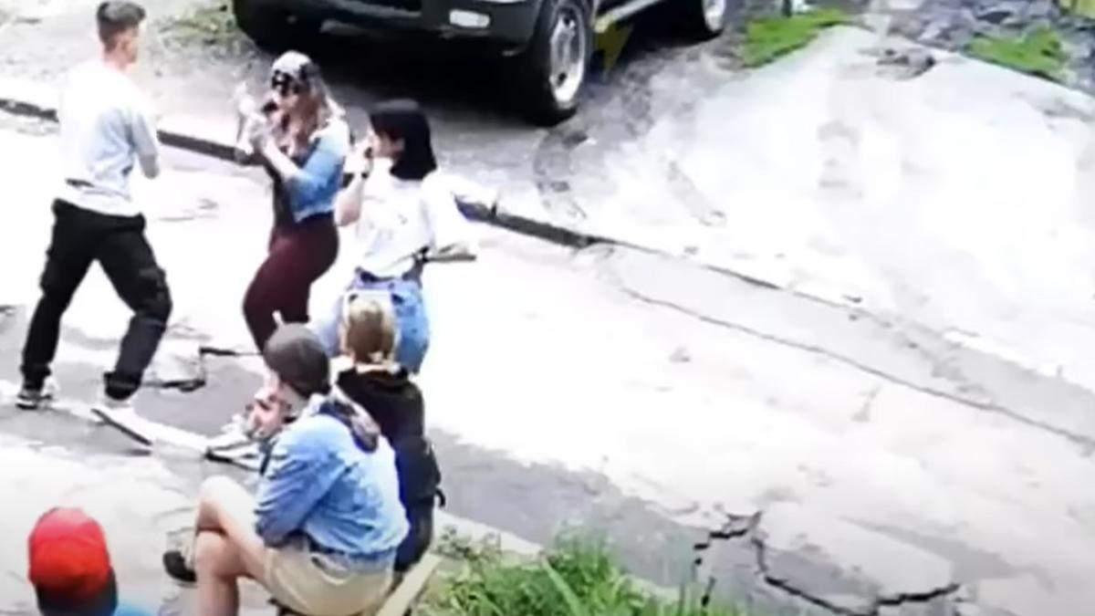 В Харькове полиция установила местонахождение 16-летнего подростка, жестоко избившего ровесницу