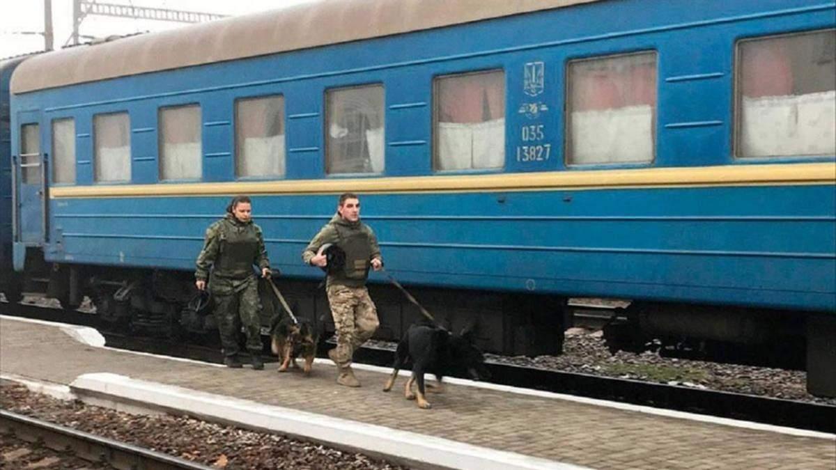 Коментар поліції щодо смерті чоловіка у потязі Рахів – Київ