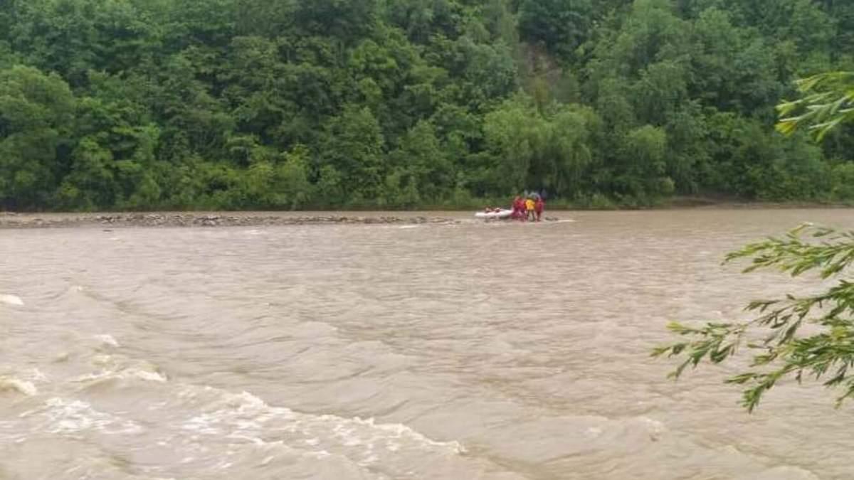 На Прикарпатье в Тюдове в Черемоше утонул 12-летний мальчик