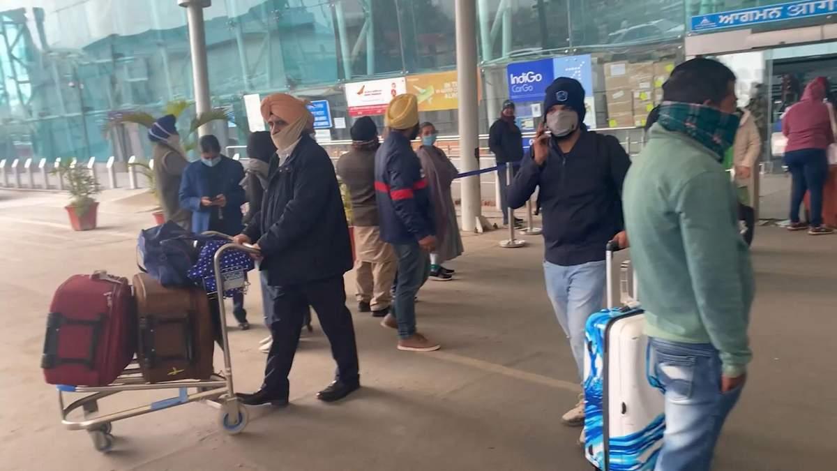 Примусове видворення: як нелегала з Індії повернули додому