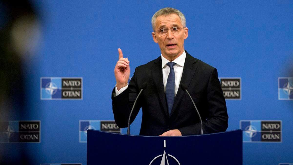 НАТО будет наращивать военный потенциал для противодействия России