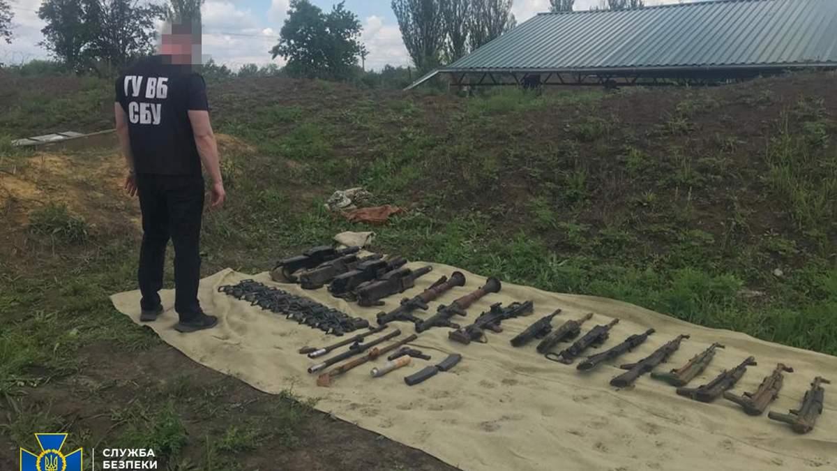Військові ЗСУ на Донеччині хотіли продати зброю зі своєї частини