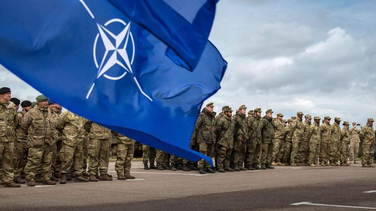 Столтенберг пообещал помощь Украине со вступлением в НАТО