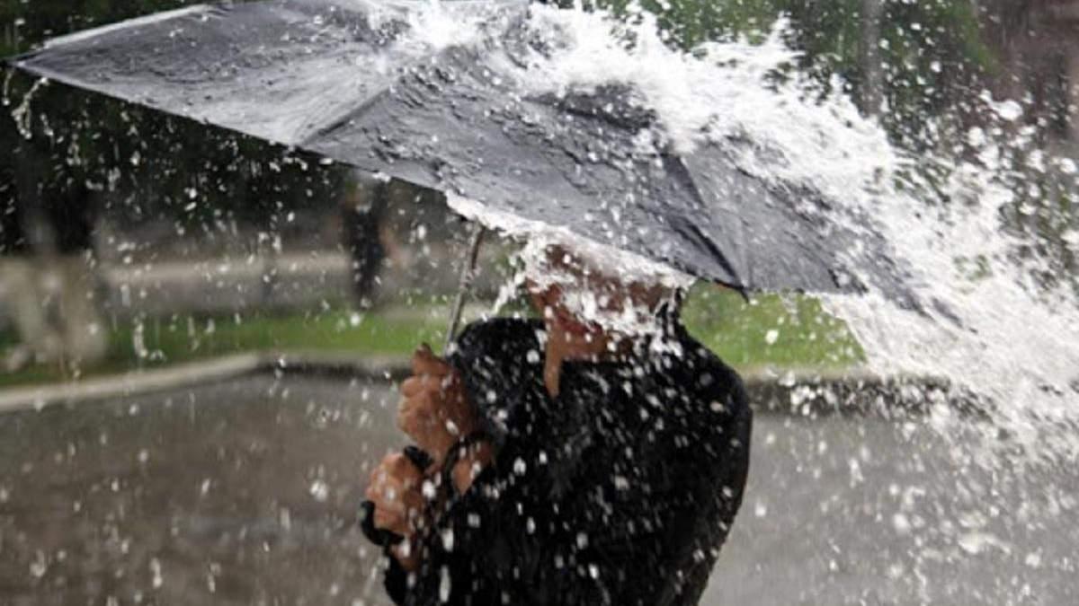 Град, шквалы, подъем воды в реках: непогода в Украине 15 июня 2021