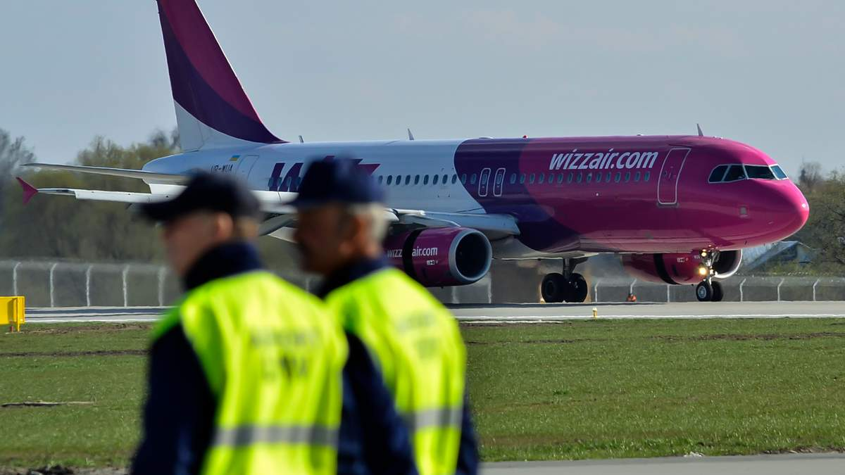 Самолет Wizz Air Катовице – Запорожье аварийно сел в Пыжовице