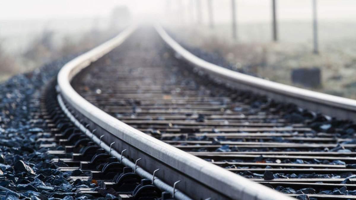 Загинув під колесами потяга: у Ходорові на залізничній станції знайшли тіло чоловіка