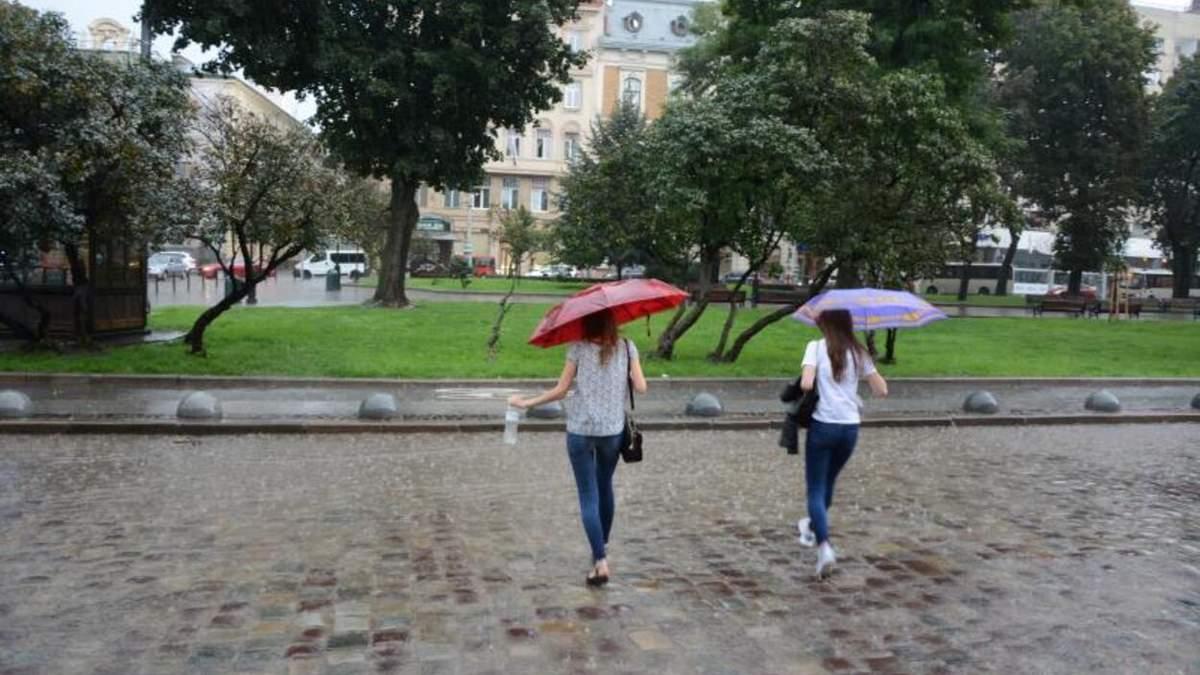 На Львовщине бушевать непогода: синоптики 16 июня 2021 прогнозируют дожди и грозы