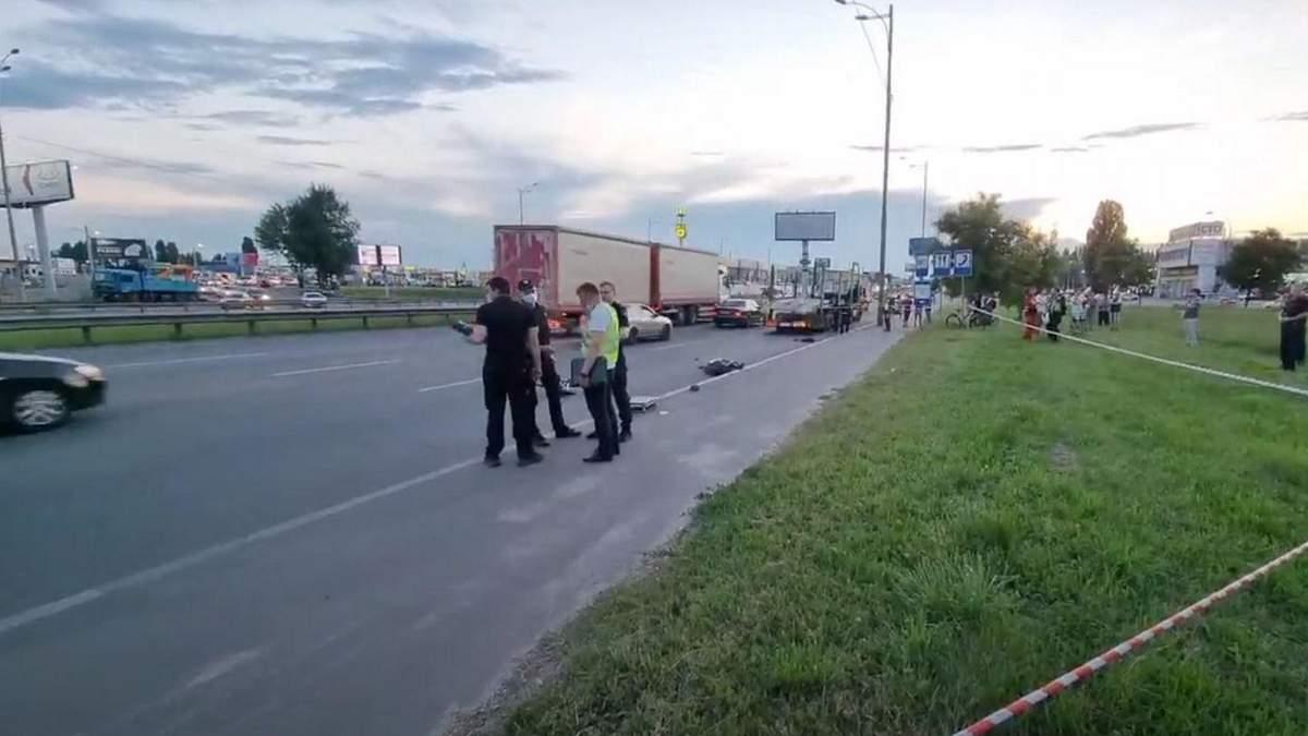 Пішоходу, який штовхнув під вантажівку лікаря у Києві, загрожує тюрма