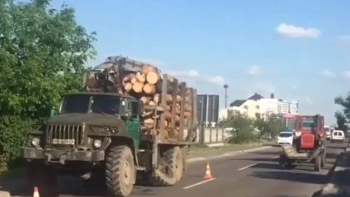 Колесо від вантажівки відірвало руку: на Рівненщині загинув пішохід