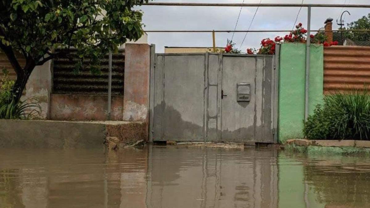 У Криму режим надзвичайної ситуації через сильні зливи – фото, відео