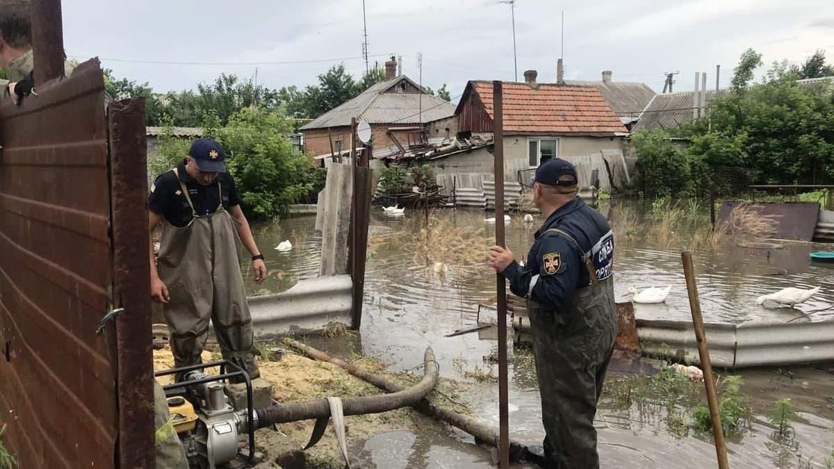Дожди на юге Украины в июне 2021: видео из Одессы, Николаева, Крыма