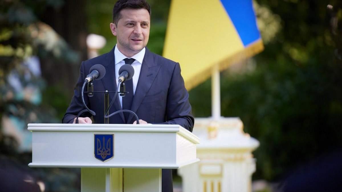 Володимир Зеленский привітав випускників академії сухопутних військ