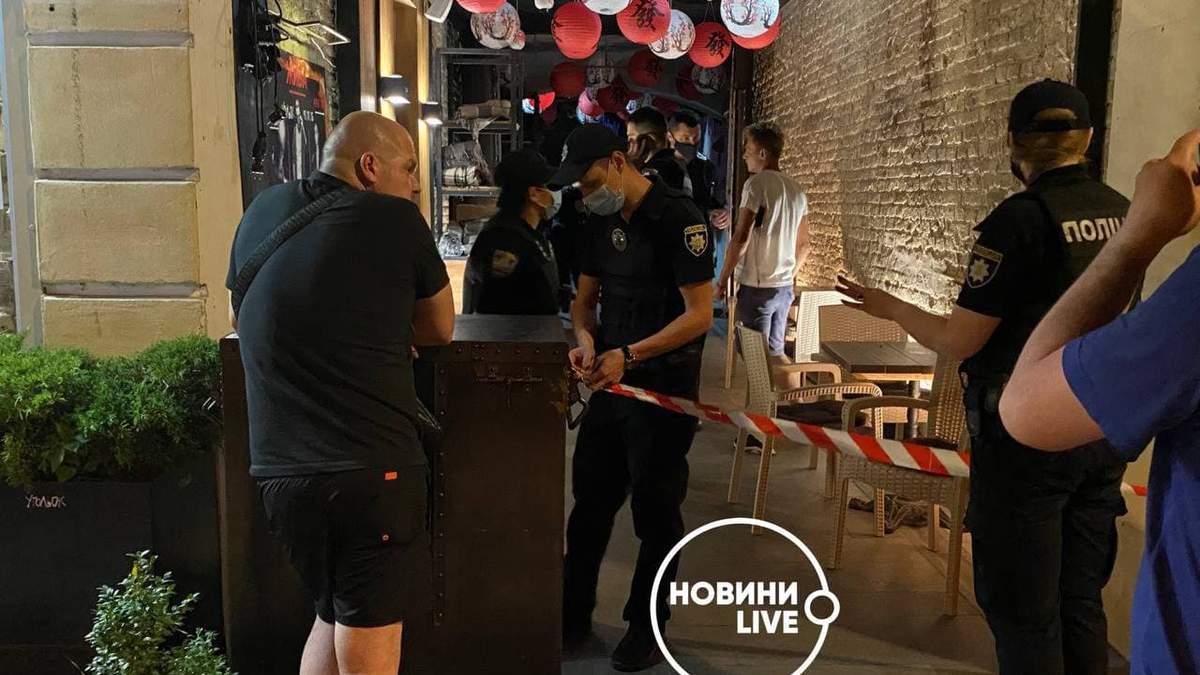 В Киеве группа людей напала на людей, которые танцевали лезгинку