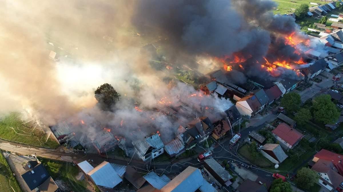 Пожар в Польше, в селе Новая Бяла: фото и видео