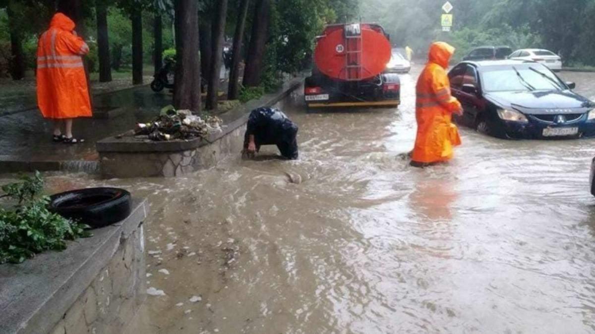 Наводнение в Ялте: количество пострадавших значительно возросло