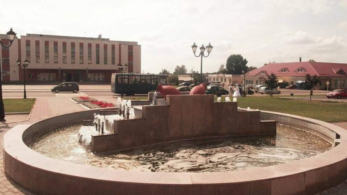 Намагалась зробити фото в фонтані: у Білорусі дівчина загинула від удару струмом