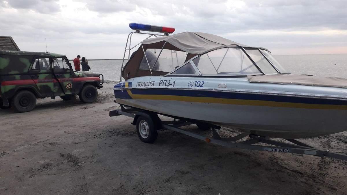 У Кирилівці катер з туристами ледь не віднесло у відкрите море