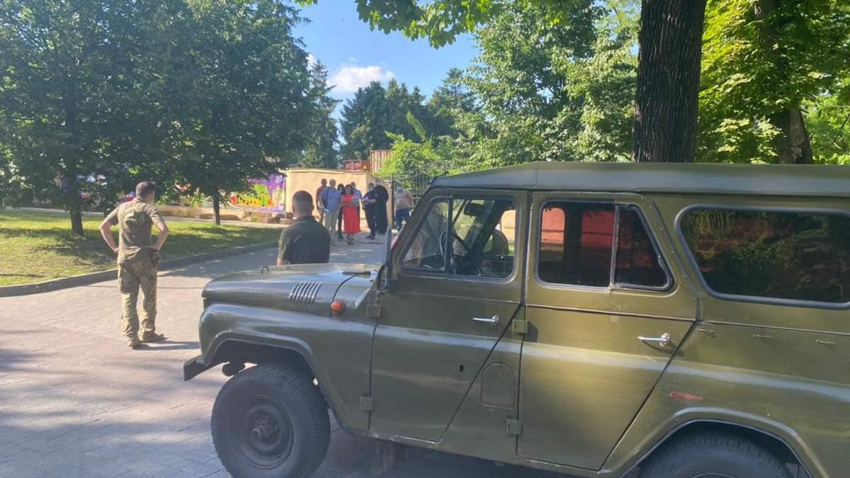У Держспецзв'язку відреагували на рейдерське захоплення Митрополичих садів у Львові