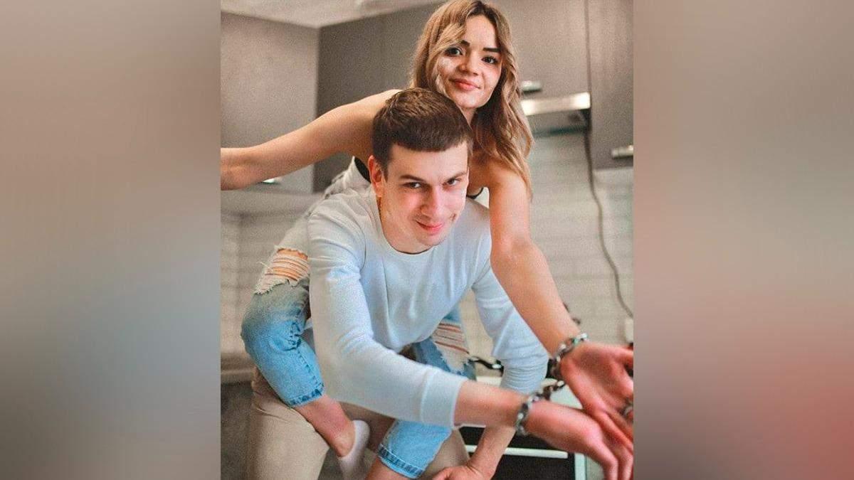 Парень со скованной цепью пары рассказал о причинах расставания
