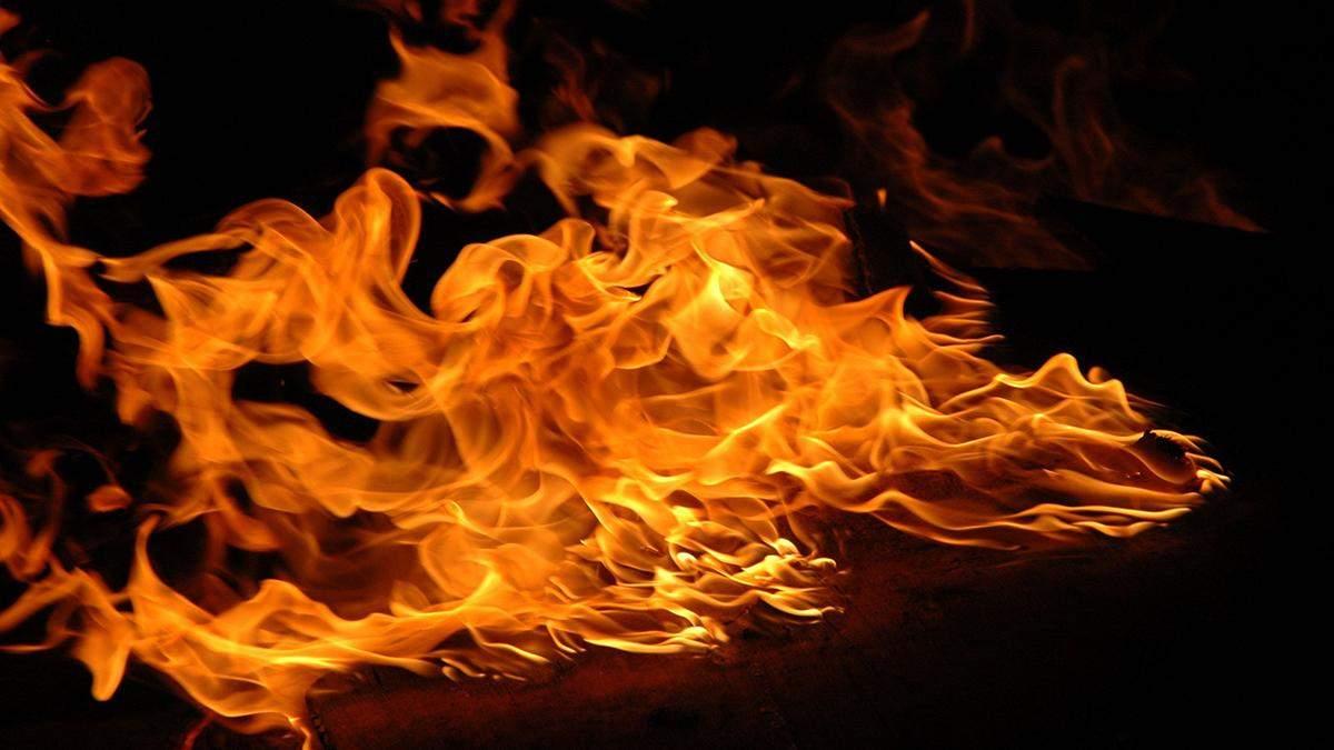 У Дніпрі госпіталізували дівчину, яка себе підпалила