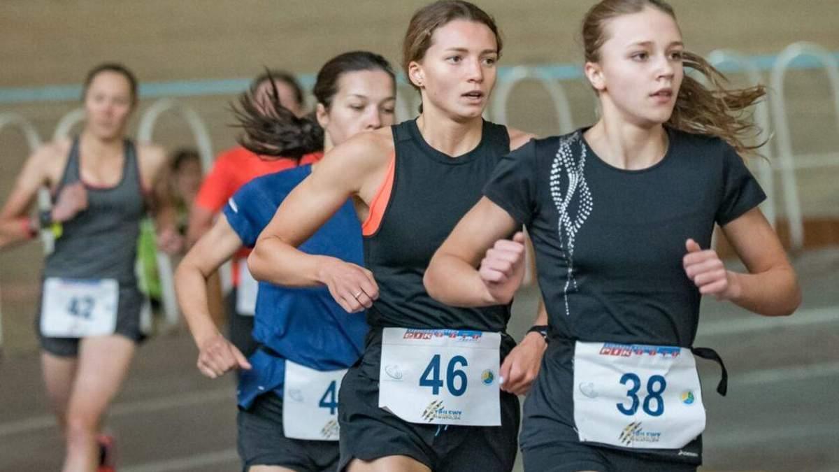 Возвращалась с тренировки: у Львова водитель BMW сбил 15-летнюю триатлонистку