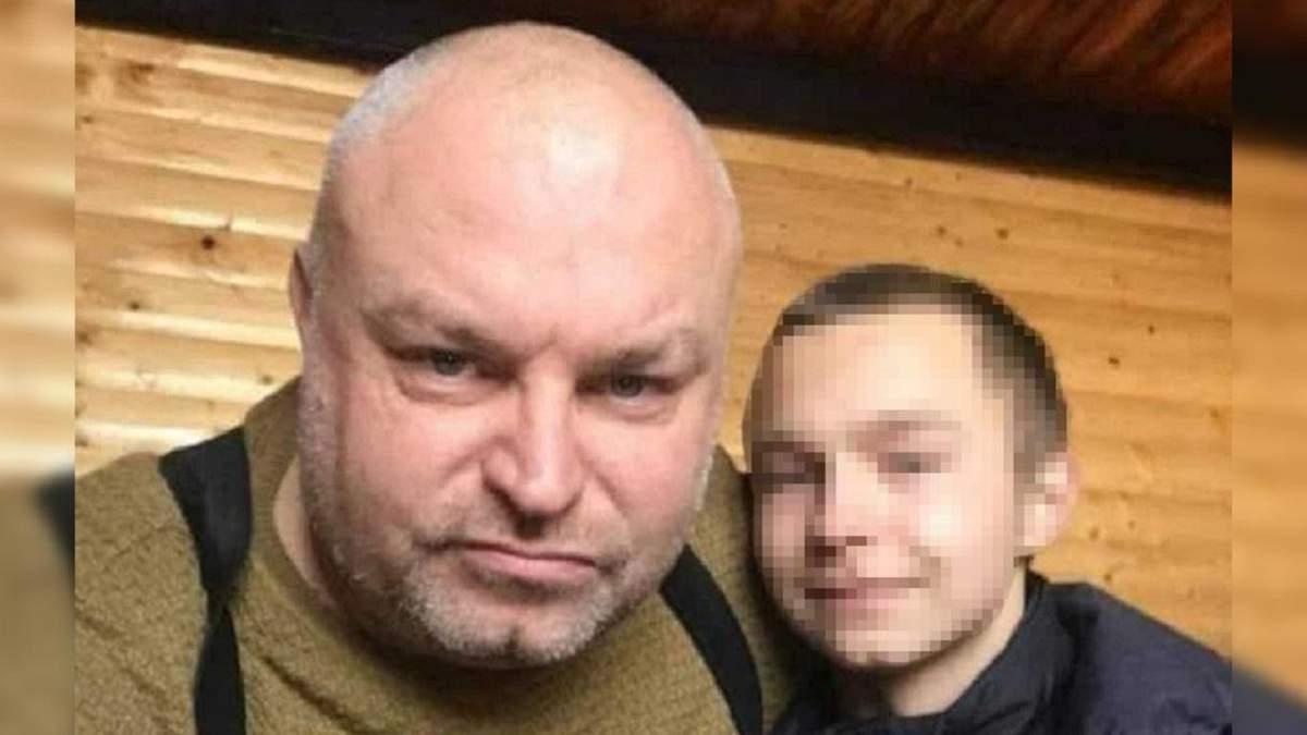 Сын мужчины, что облил преподавательницу фекалиями, пошел в полицию