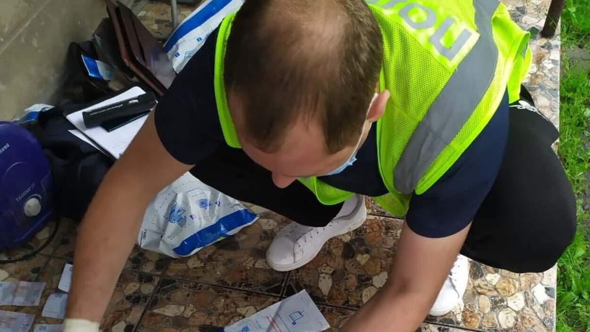 На Львовщине задержали наркодилера с 1,5 килограммами марихуаны и амфетамином: фото