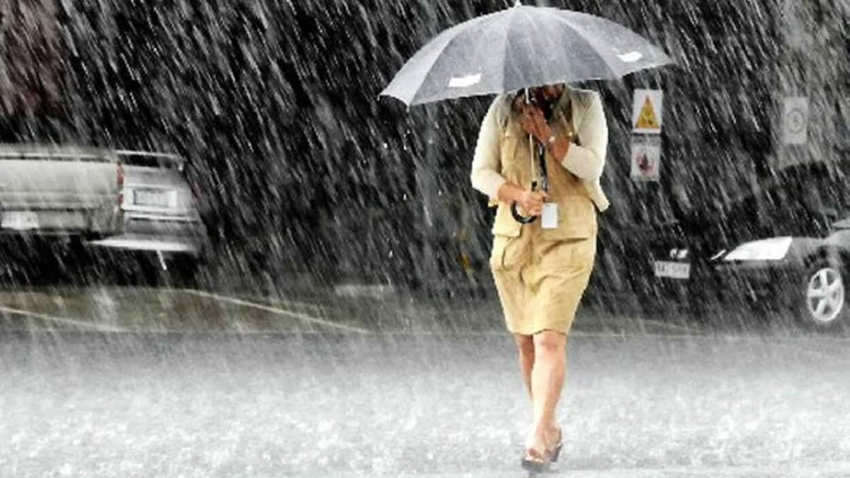 Негода не відступає: на Львівщині оголосили штормове попередження
