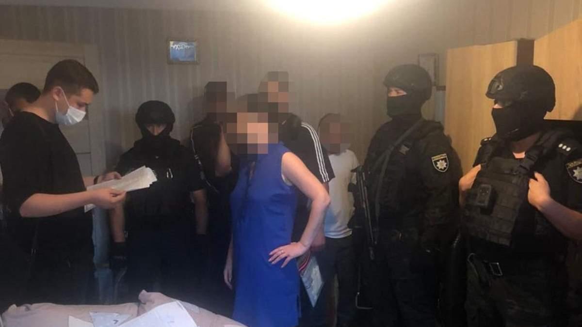 Продавал наркотики возле гимназии: на Львовщине задержали рецидивиста