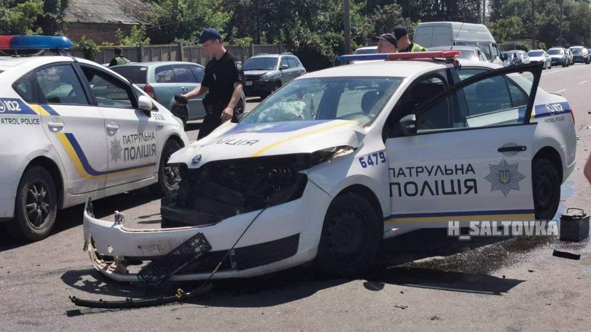 Поліцеські зіткнулися з BMW у Харкові: відео