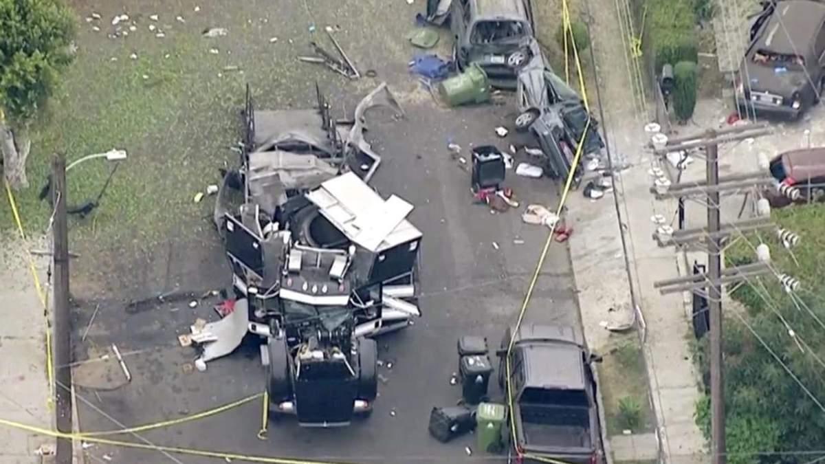 У Лос-Анджелесі стався вибух у поліцейській вантажівці: фото, відео