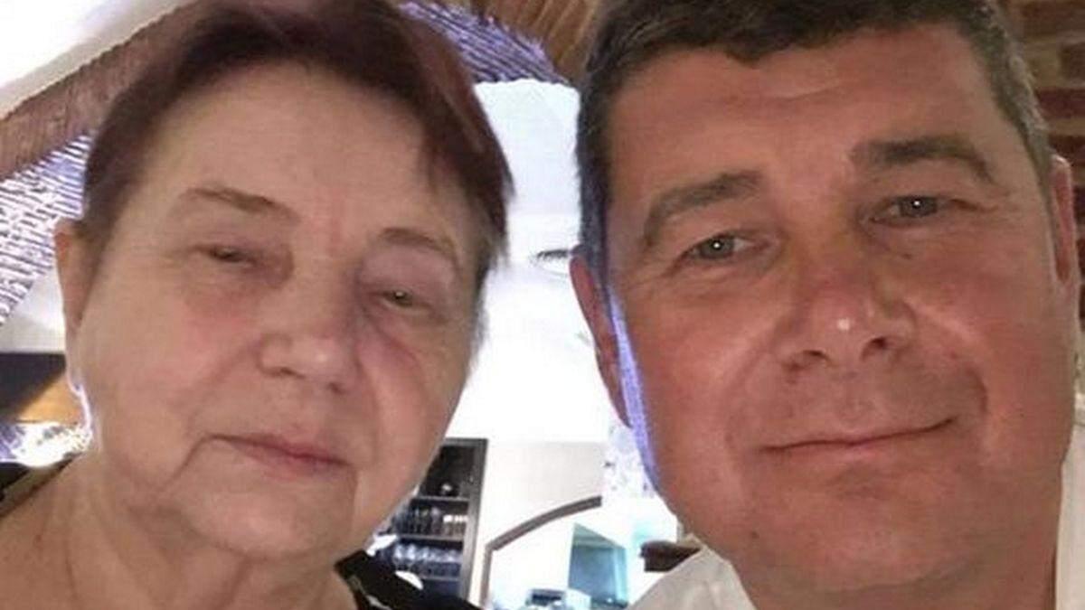 Депутат-беглец Онищенко сообщил о смерти матери