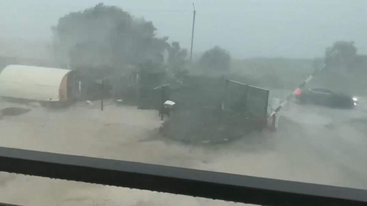 Курортный Бердянск накрыл мощный ураган