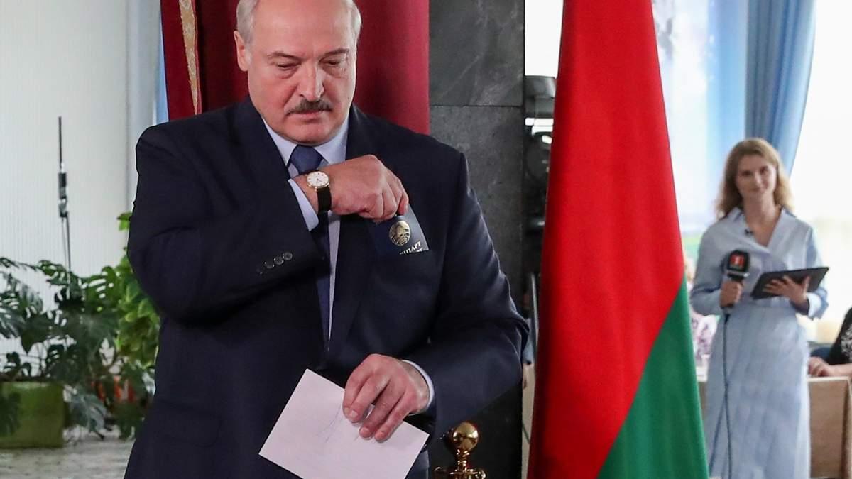 Лукашенка занурили в болото конфронтації з Україною