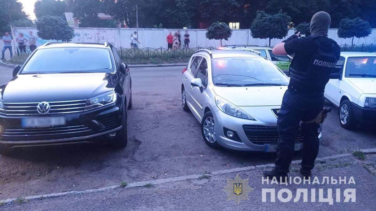 В Черкассах иностранцы поспорили и устроили стрельбу: фото
