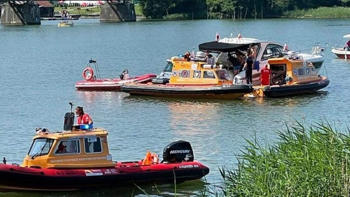 У Польщі вертоліт з українцями впав в озеро 5 червня 2021