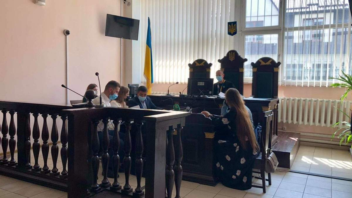 Подозревают в хищении миллиона гривен: суд отстранил от должности начальника управления ЛОГА