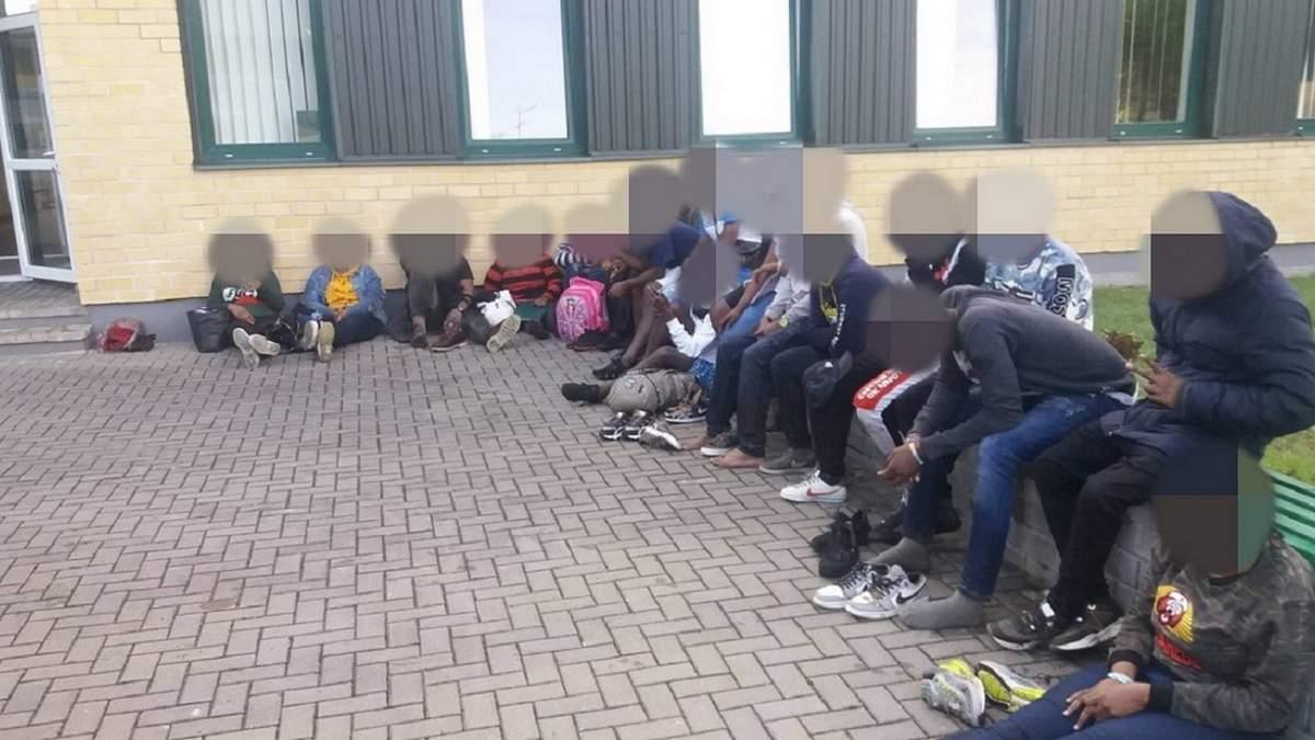 Нелегалів з Білорусі зупиняють на кордоні з Литвою