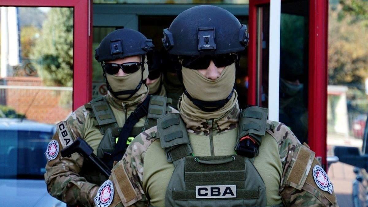 У справі ексміністра транспорту Новака: у Польщі затримали українку