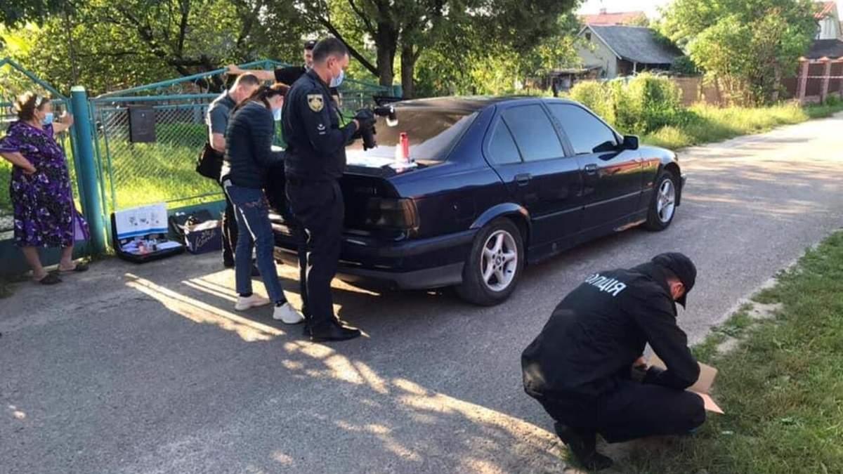 Недалеко от Львова на таксиста напали с ножом: он попал в реанимацию – фото