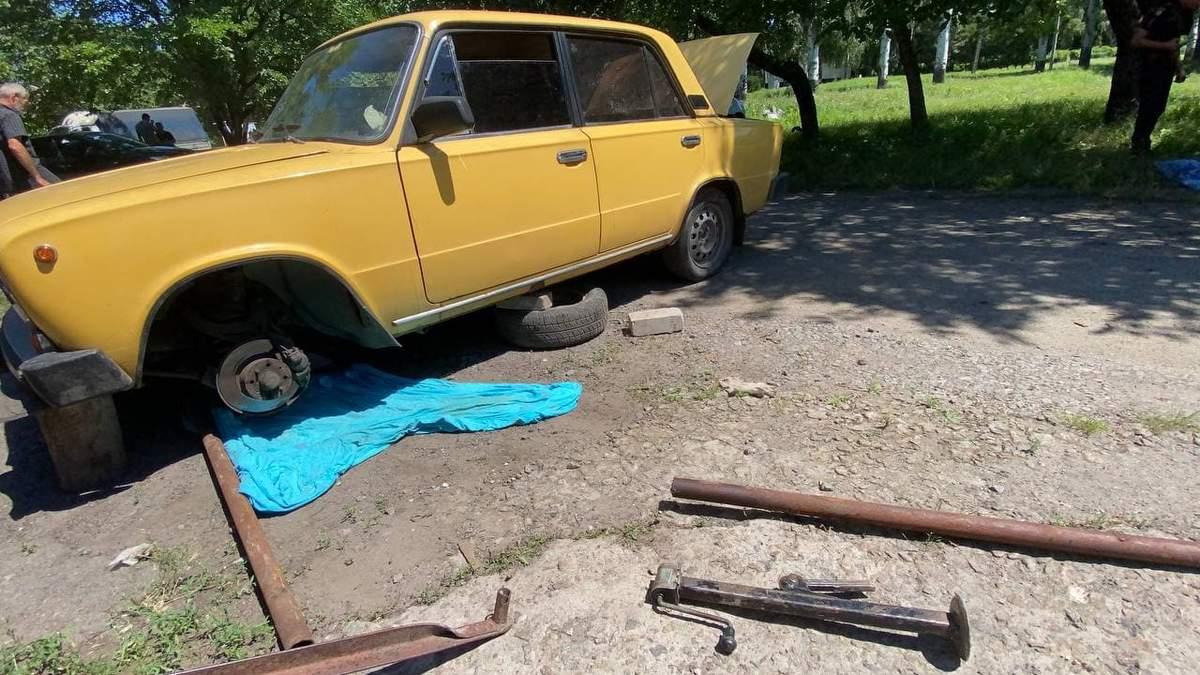 У Кривому Розі авто придавило пенсіонера: яка причина – фото