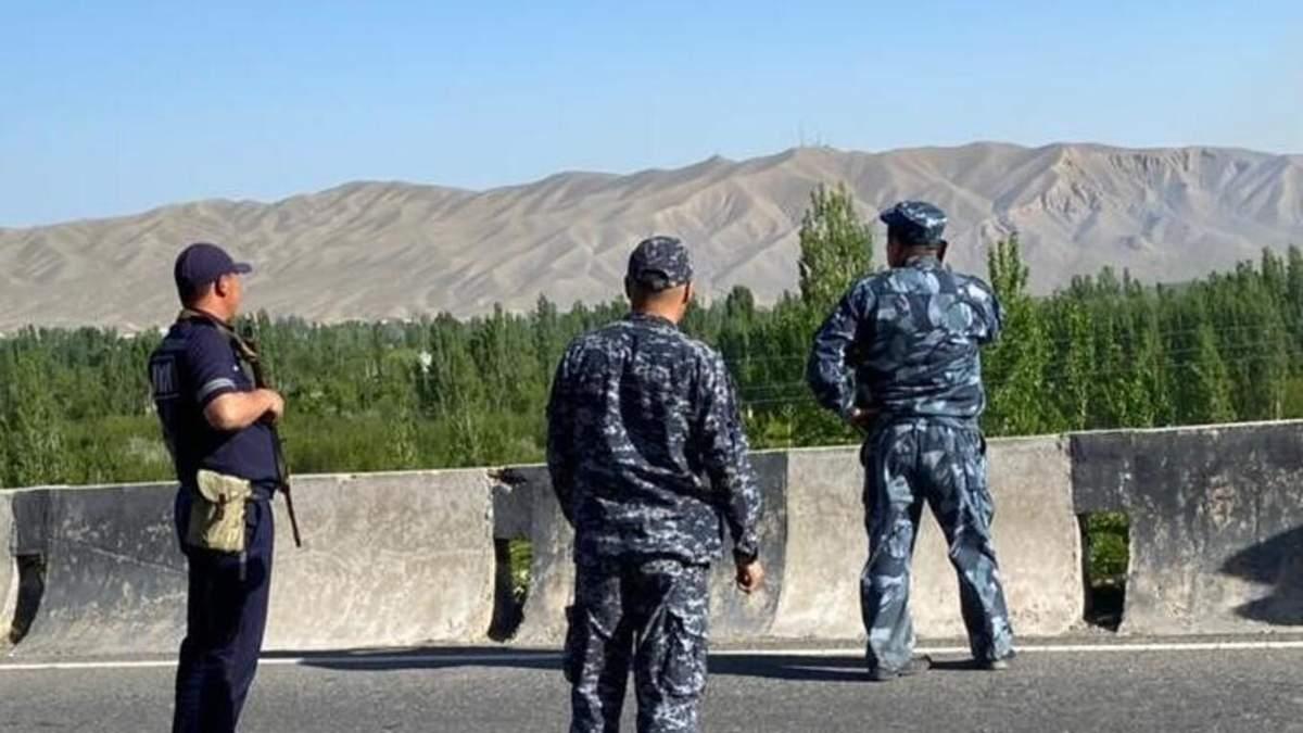 Між Таджикистаном і Киргизстаном на кордоні стрілянина: є загиблі