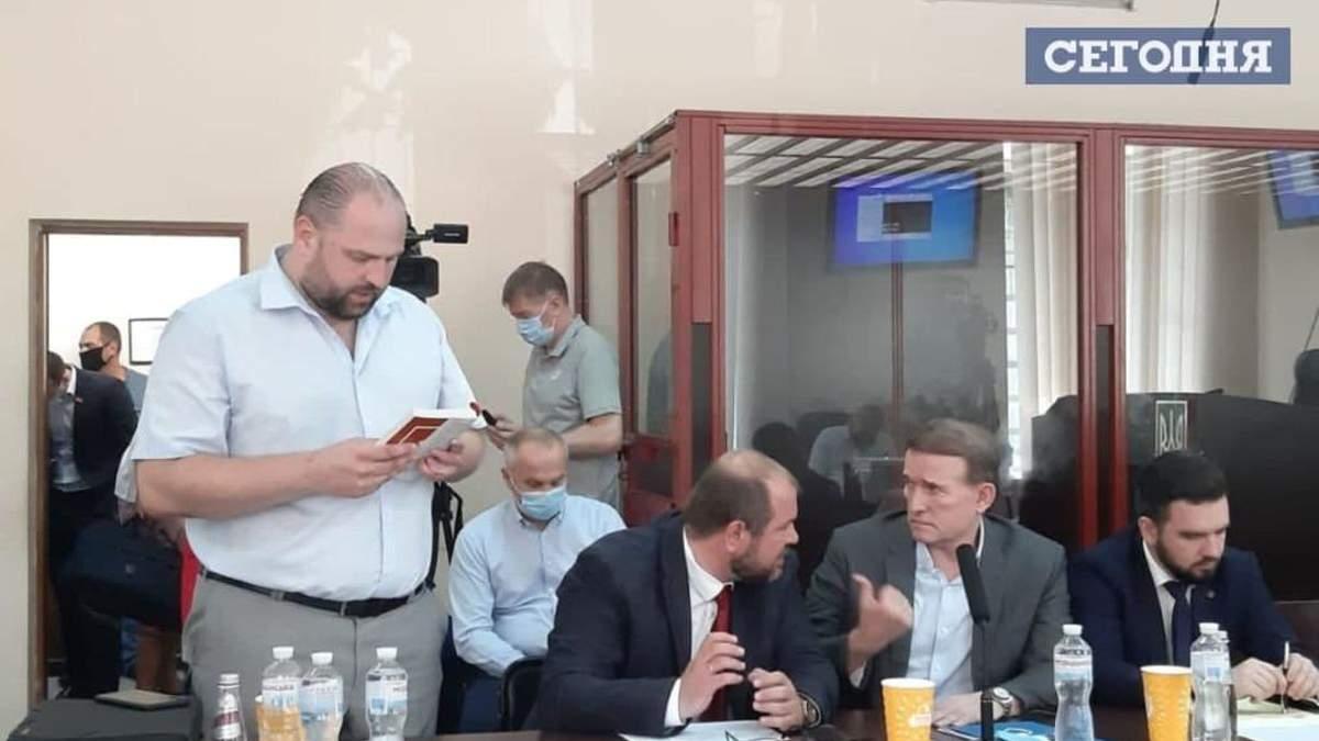 Суд не смог избрать меру пресечения Медведчуку 08.07.2021