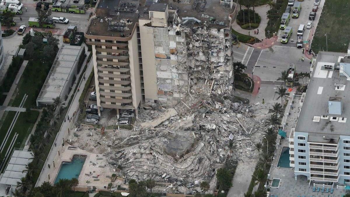 Обвал будинку в Маямі: з-під завалів дістали тіла ще 7 людей